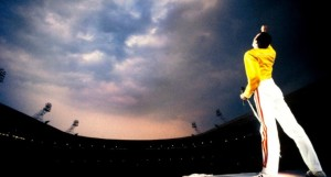 freddie-mercury-at-wembley-e1445365710187-680x365_c